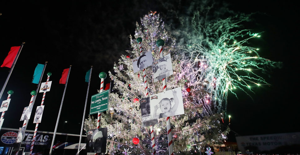 Texas Motor Speedway Annual Christmas Tree Lighting - Texas Motor Speedway Annual Christmas Tree Lighting - Mommies Reviews